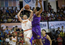 Saigon Heat forward Justin Young nails the game winner against the CLS Knights (Photo: ABL)
